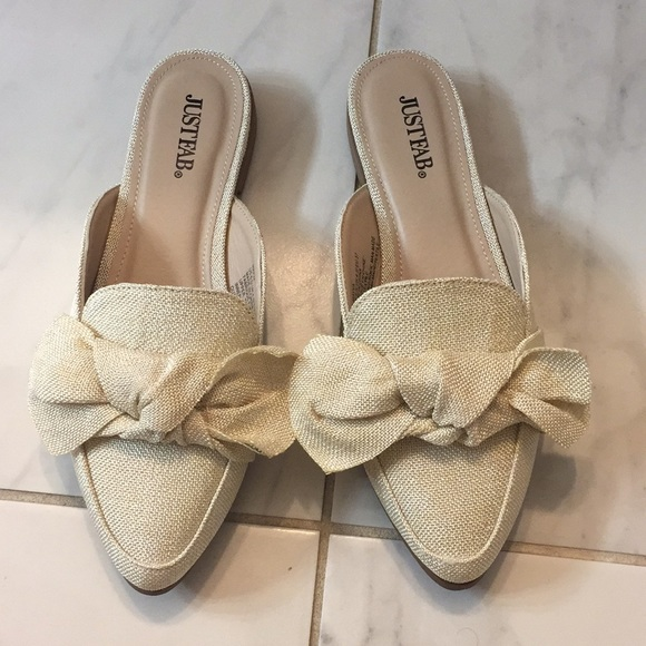 cb037a926 New without tags Justfab Mayva bow slide mules 6.5